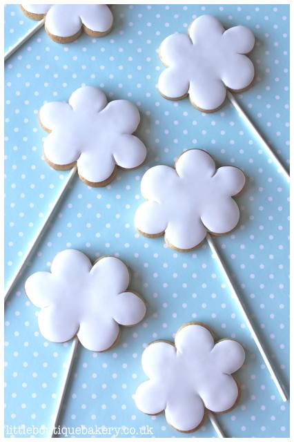 Cloud Cookie Pops
