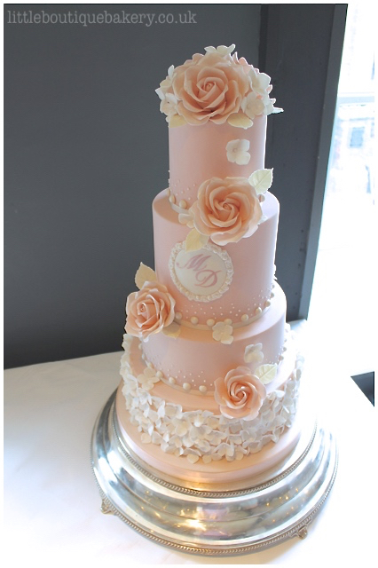 Hydrangea Blush Rose Wedding Cake