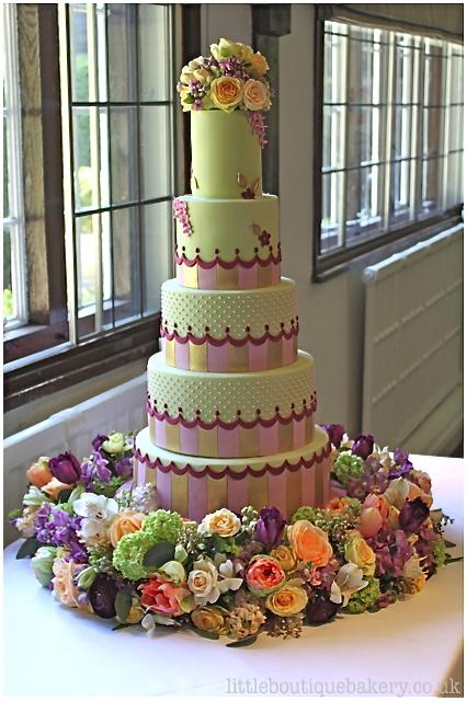Scalloped Stripes Wedding Cake