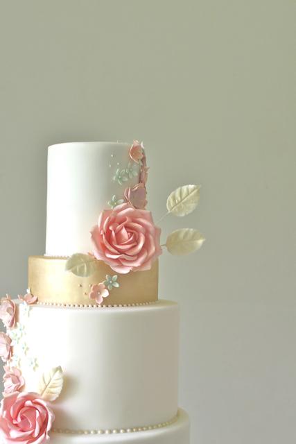 Summer Rose Wedding Cake