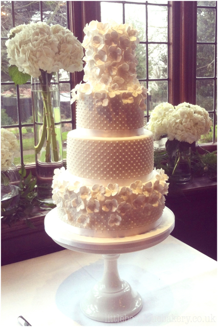Hydrangea & Pearls Wedding Cake