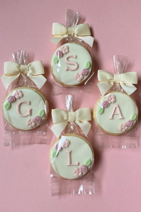 Initial Floral Biscuit Favours