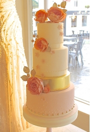 Sweet Rose Wedding Cake