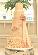 Rose & Hydrangea Pearl Wedding Cake