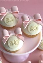 Bow Birthday Cupcakes