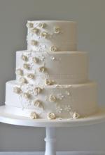 Delicate Rosebuds Wedding Cake