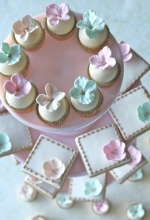Mini Blossom Cupcakes & Cookies