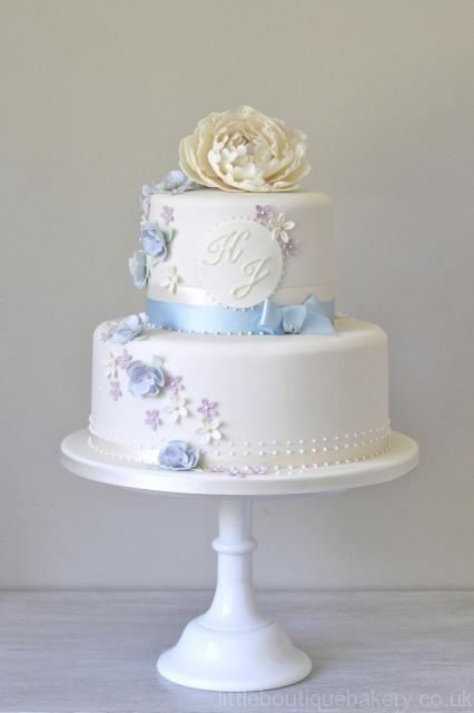 Blue & Ivory Vintage Wedding Cake